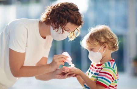 Путешествие на самолете с детьми и масками - что мне нужно знать?